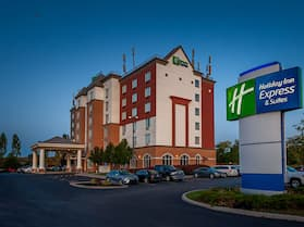 Holiday Inn Express Hotel & Suites CLARINGTON - BOWMANVILLE, an IHG Hotel