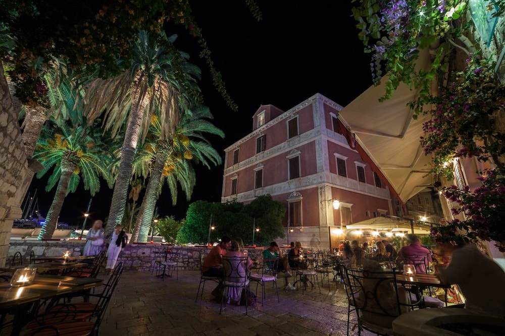 Front of Property - Evening/Night, Hotel Park Hvar