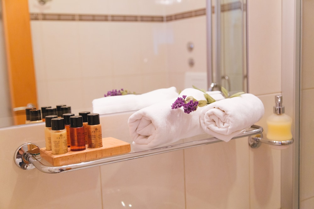 Bathroom Amenities, Hotel Park Hvar