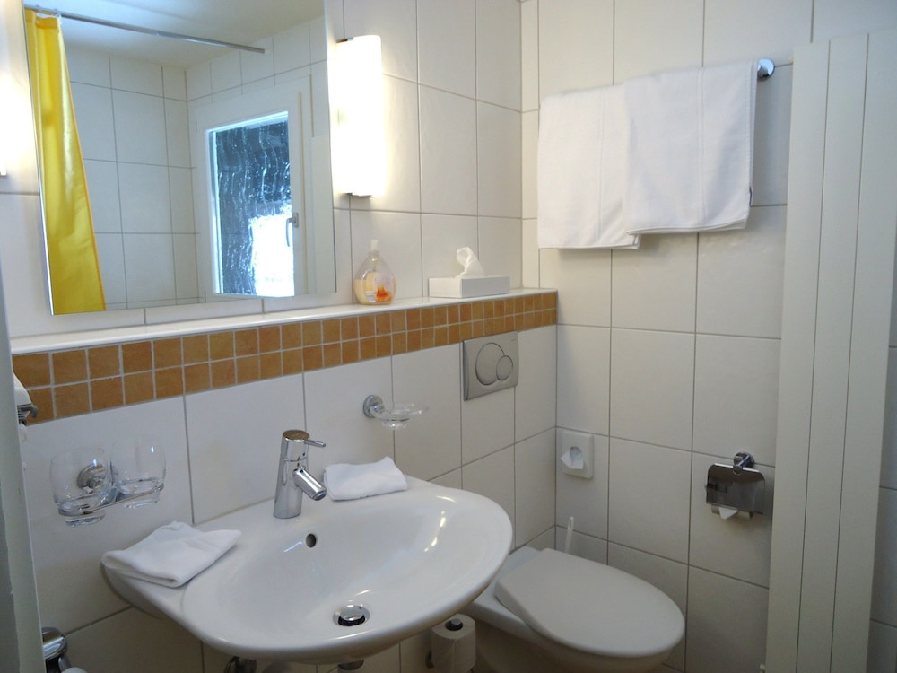 Bathroom, Tschuggen
