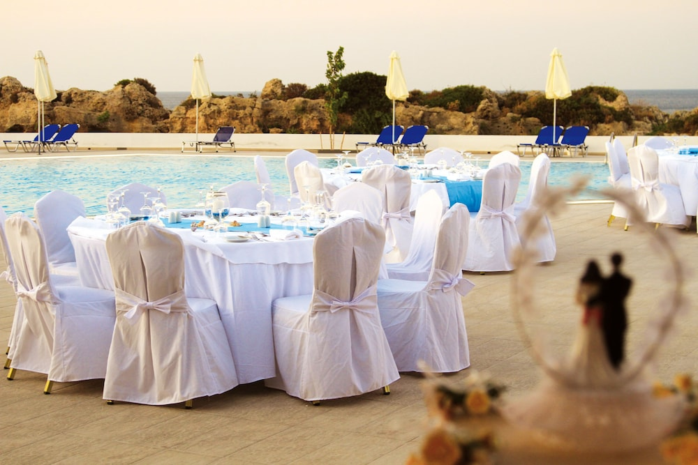 Outdoor Wedding Area, Kresten Royal Euphoria Resort