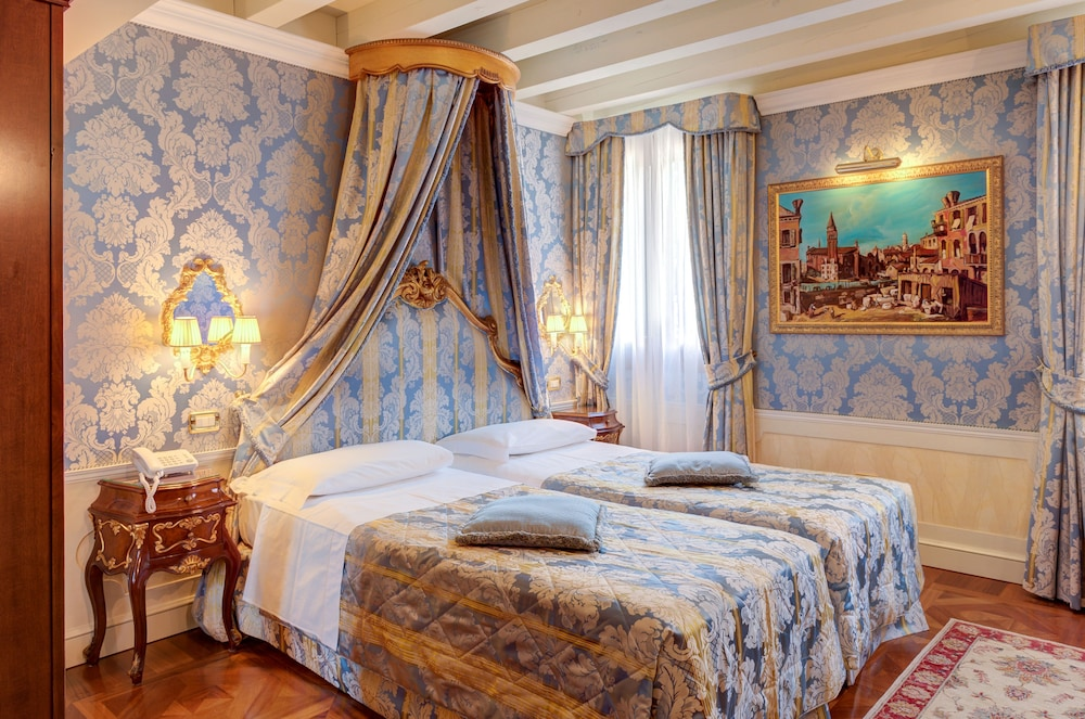 Room, Hotel Canal Grande