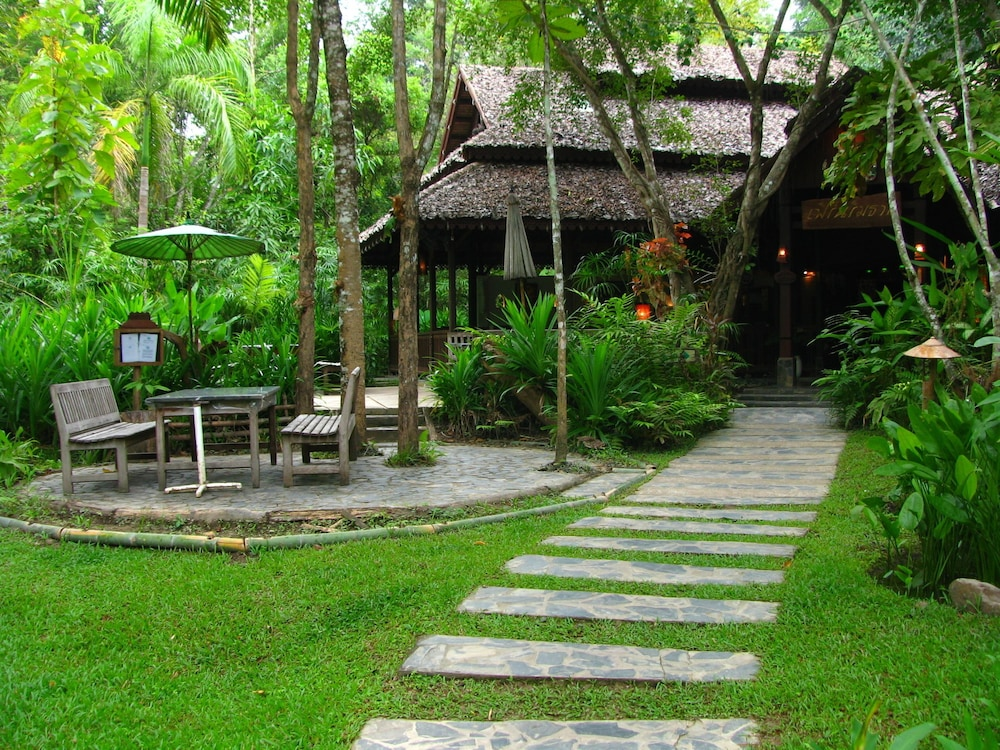 Exterior, Fern Resort