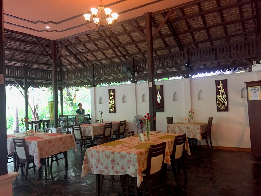 Restaurant, Fern Resort
