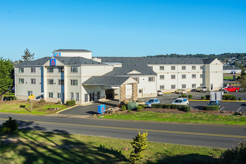Featured Image, Motel 6 Newport, OR