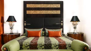 Hypo-allergenic bedding, minibar, in-room safe, individually decorated