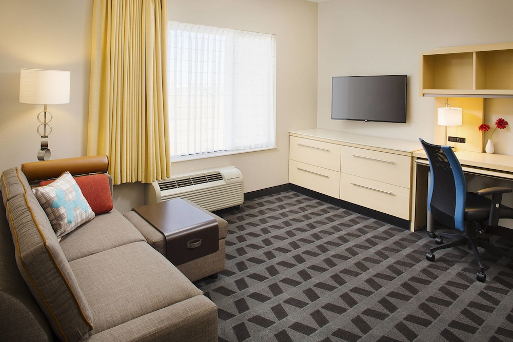 Living Room, TownePlace Suites by Marriott Goodyear