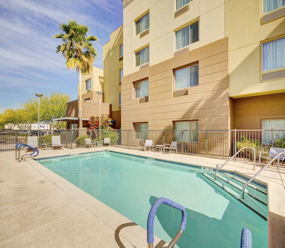 Outdoor Pool, TownePlace Suites by Marriott Goodyear