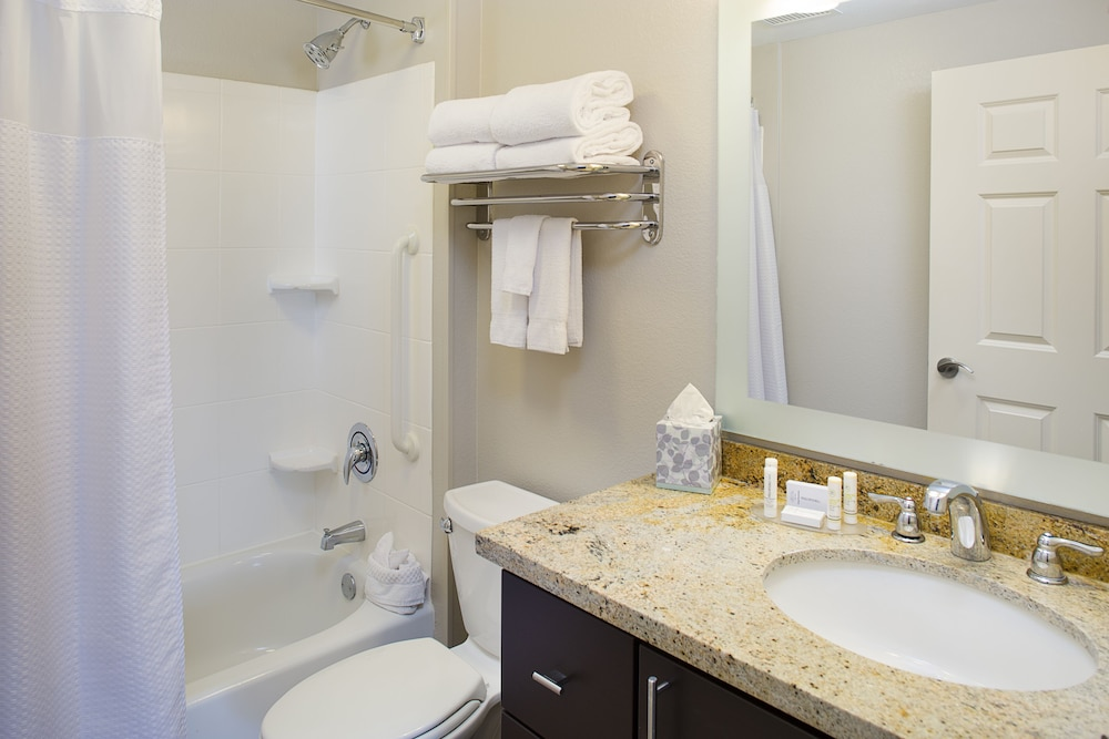 Bathroom, TownePlace Suites by Marriott Goodyear