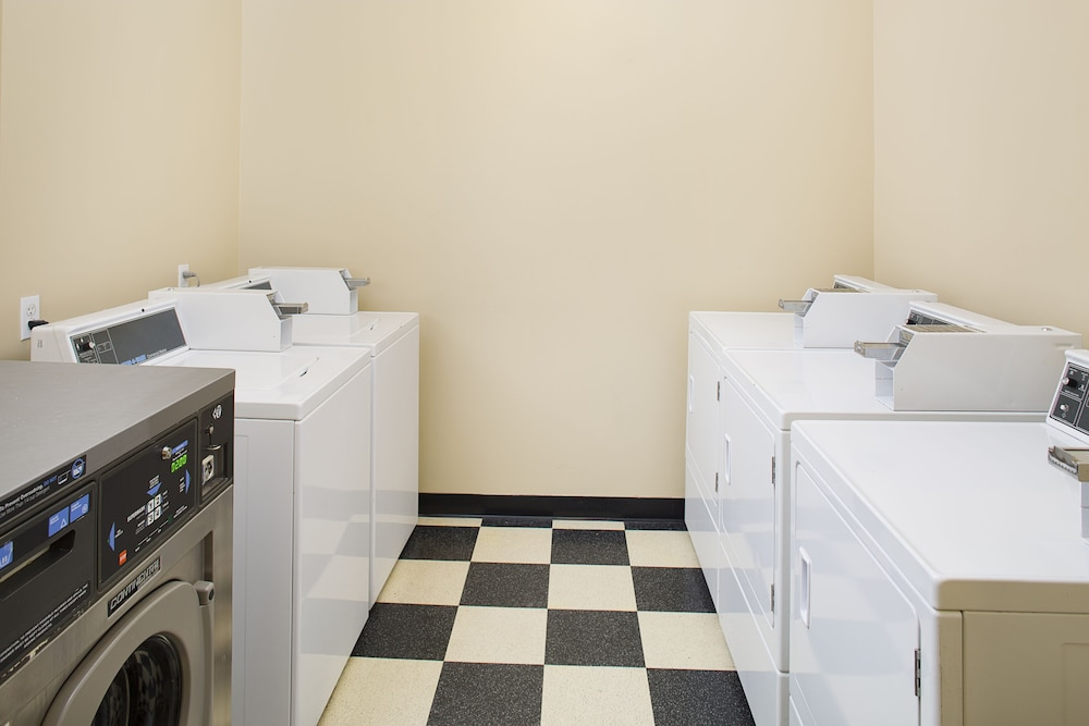 Laundry Room, TownePlace Suites by Marriott Goodyear