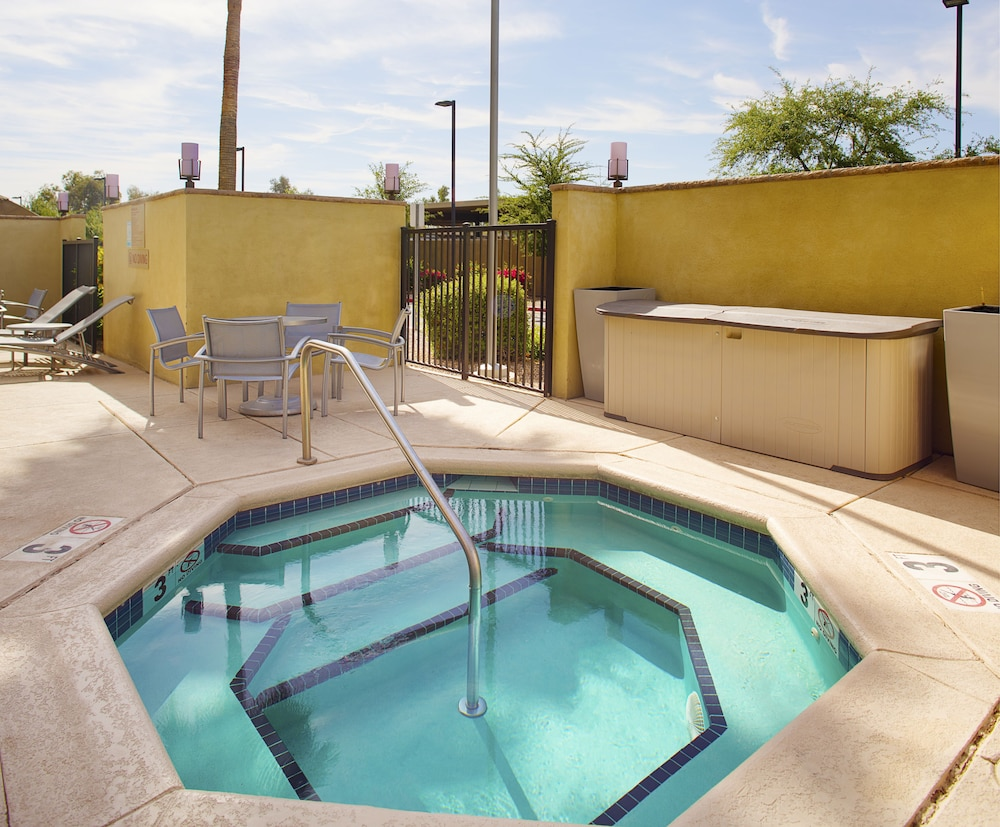 Outdoor Spa Tub, TownePlace Suites by Marriott Goodyear