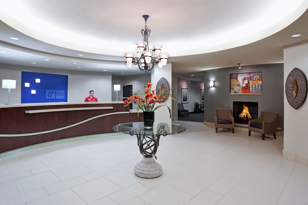 Lobby, Holiday Inn Express Hotel & Suites Zanesville North