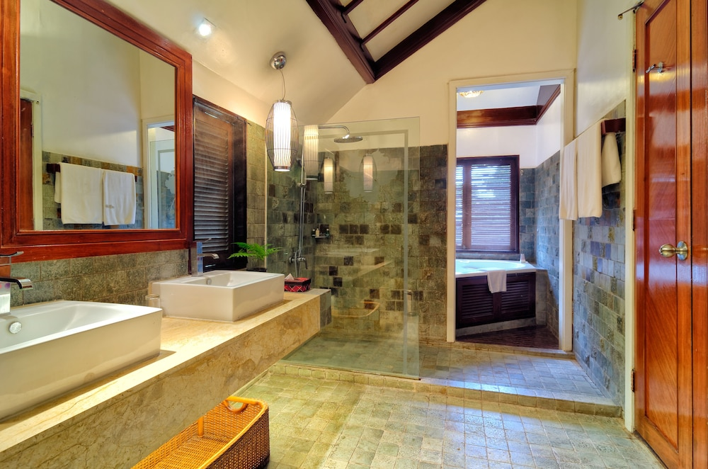 Bathroom, Bunga Raya Island Resort & Spa