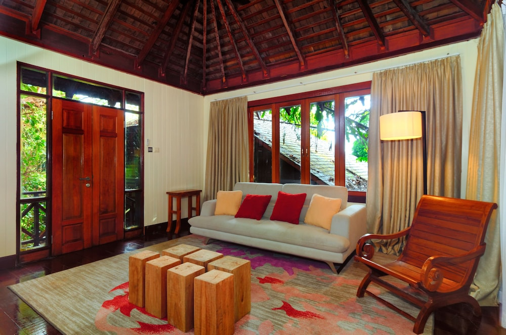 Living Room, Bunga Raya Island Resort & Spa