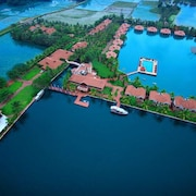 Lake Palace - A Luxury Backwater Resort