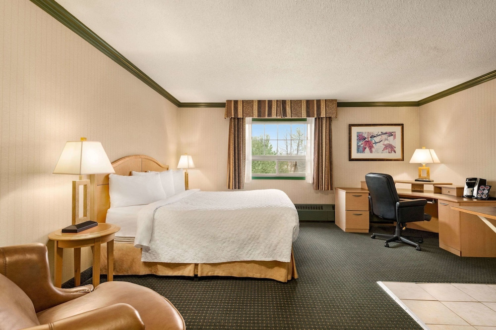 Room, Travelodge by Wyndham Dawson Creek