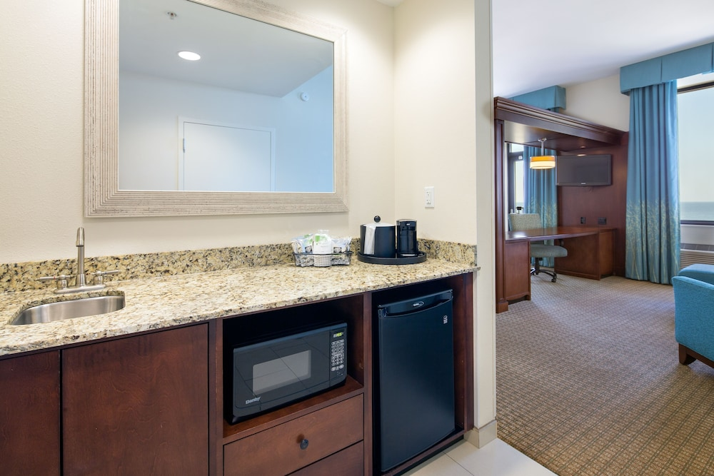 Private Kitchenette, Hampton Inn & Suites Orange Beach/Gulf Front