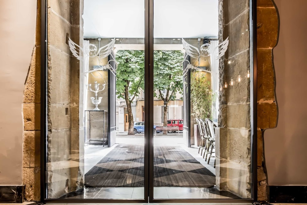Property Entrance, Pamplona Catedral Hotel