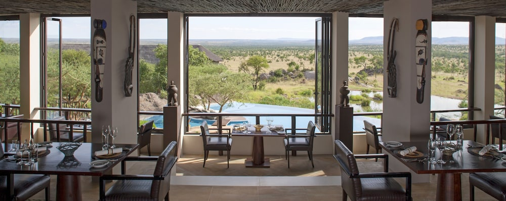 Restaurant, Four Seasons Safari Lodge Serengeti