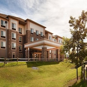 Best Western Plus University Park Inn & Suites