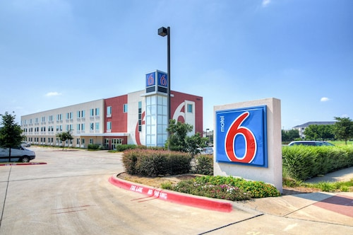Great Place to stay Motel 6 Ft Worth Northlake - Speedway near Roanoke