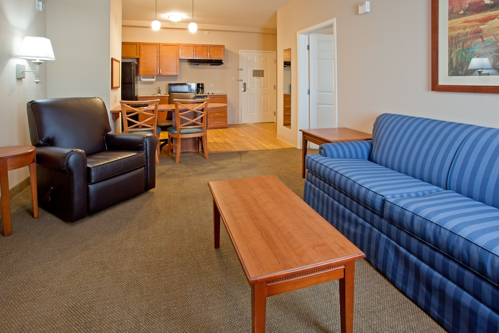 Private Kitchen, Candlewood Suites League City, an IHG Hotel