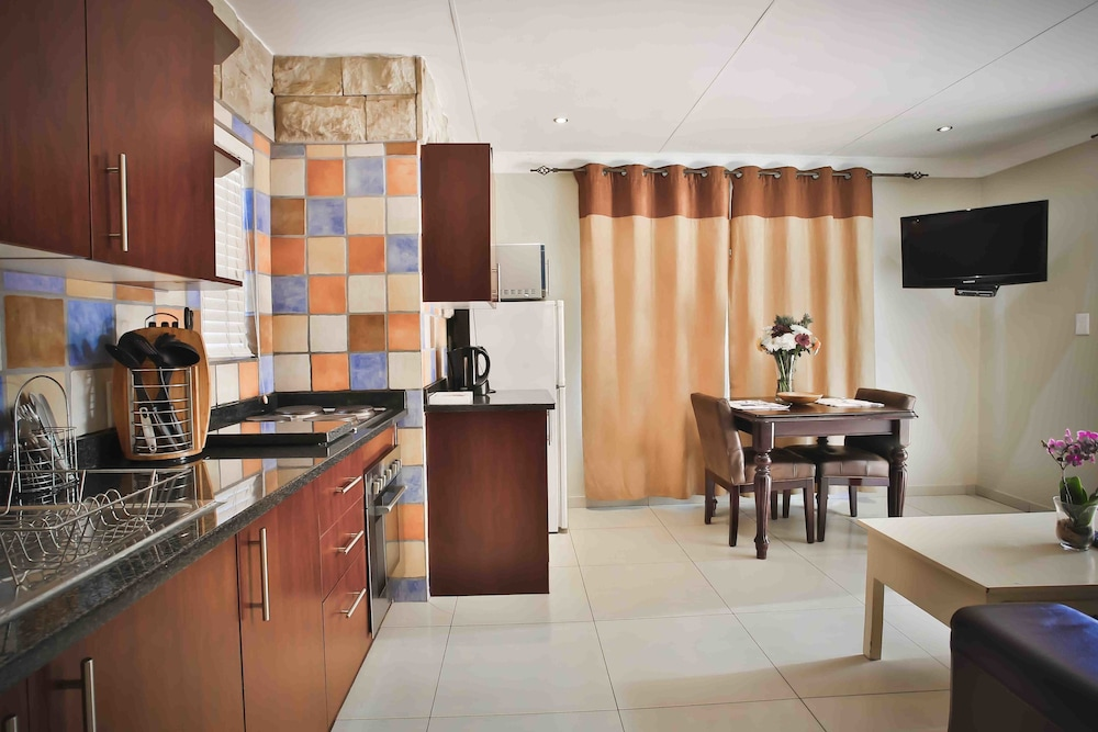 Accommodation Van 39 S In Johannesburg Hotel Rates
