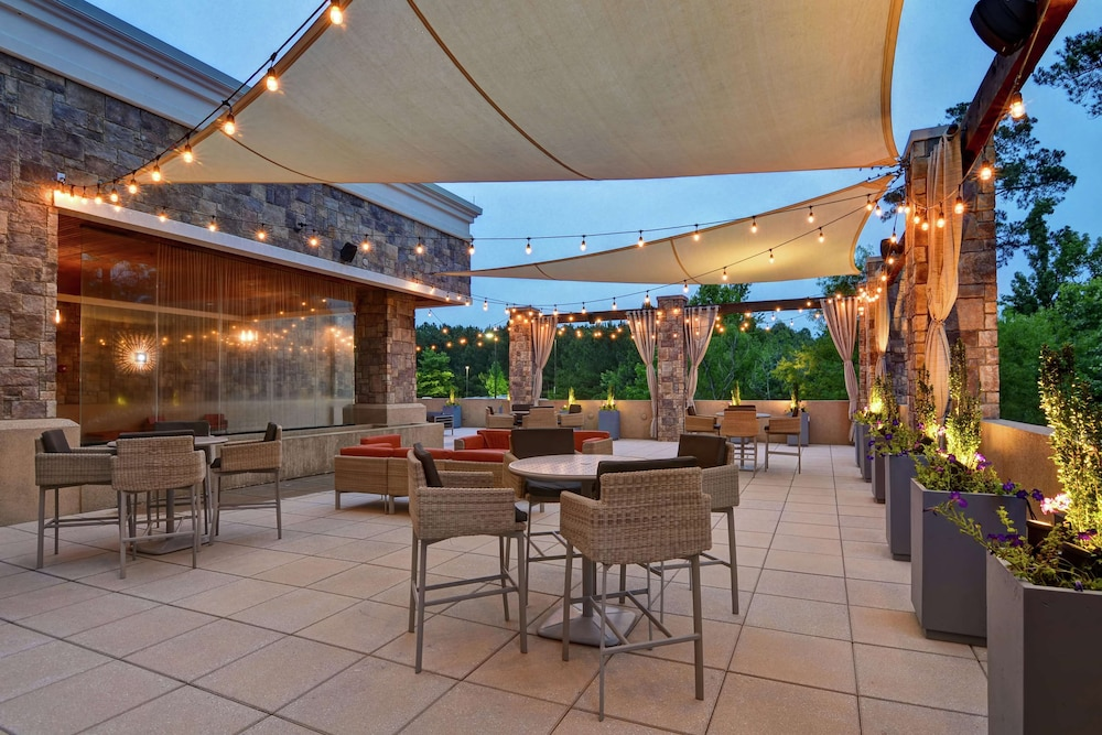 Terrace/Patio, Embassy Suites Raleigh-Durham Airport/Brier Creek