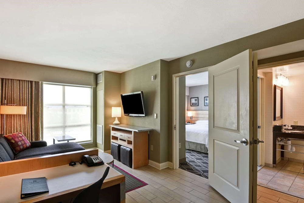 Living Area, Embassy Suites Raleigh-Durham Airport/Brier Creek