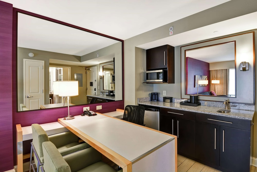 Private Kitchen, Embassy Suites Raleigh-Durham Airport/Brier Creek