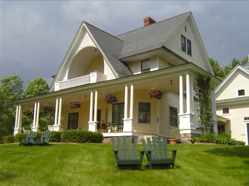 Check Expedia for Availability of Noble House Inn