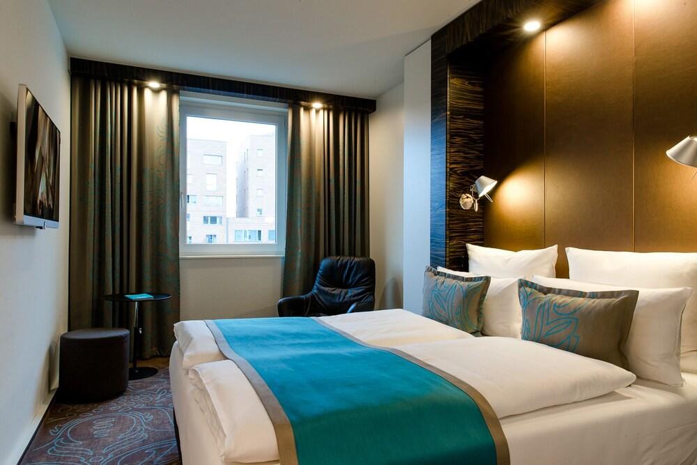 Motel one berlin bellevue deals reviews berlin and for Motel one berlin zimmerausstattung