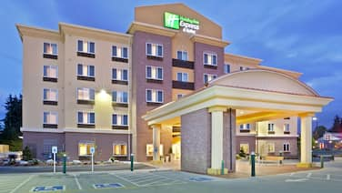 Holiday Inn Express & Suites Seattle North - Lynnwood, an IHG Hotel