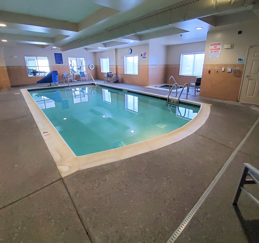 Indoor Pool, Holiday Inn Express & Suites Seattle North - Lynnwood