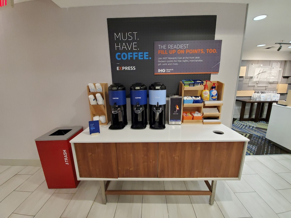 Coffee Service, Holiday Inn Express & Suites Seattle North - Lynnwood