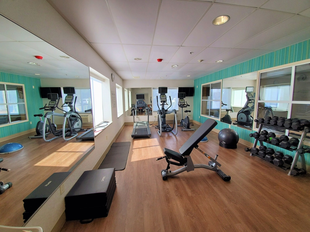 Fitness Facility, Holiday Inn Express & Suites Seattle North - Lynnwood