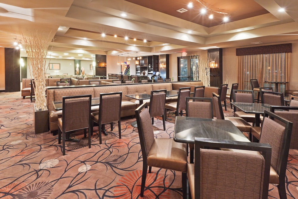 Restaurant, Holiday Inn Hotel & Suites Tulsa South