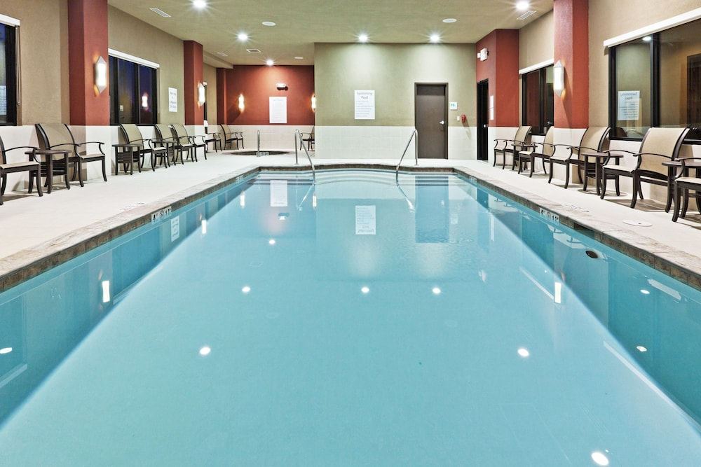 Pool, Holiday Inn Hotel & Suites Tulsa South