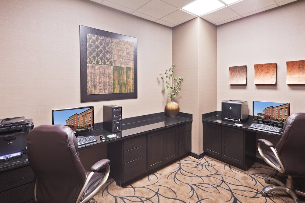 Business Center, Holiday Inn Hotel & Suites Tulsa South