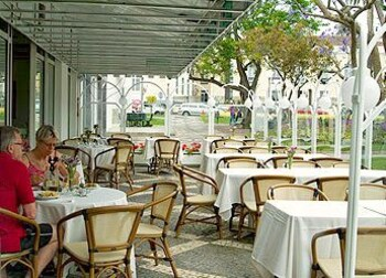 Outdoor Dining, Hotel Talisman