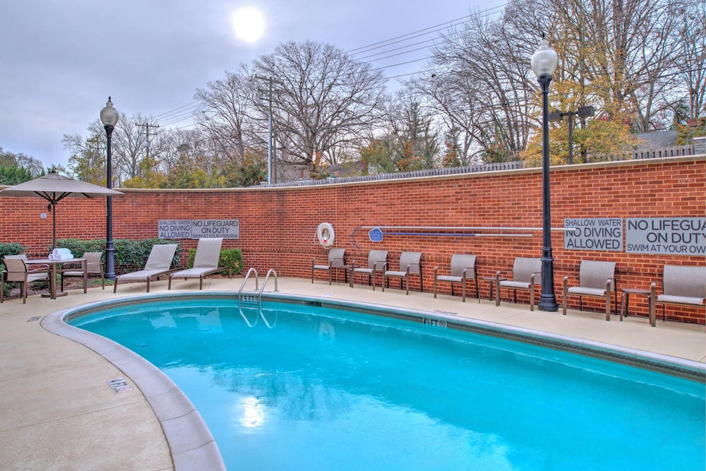 Outdoor Pool, Courtyard Marriott Clemson