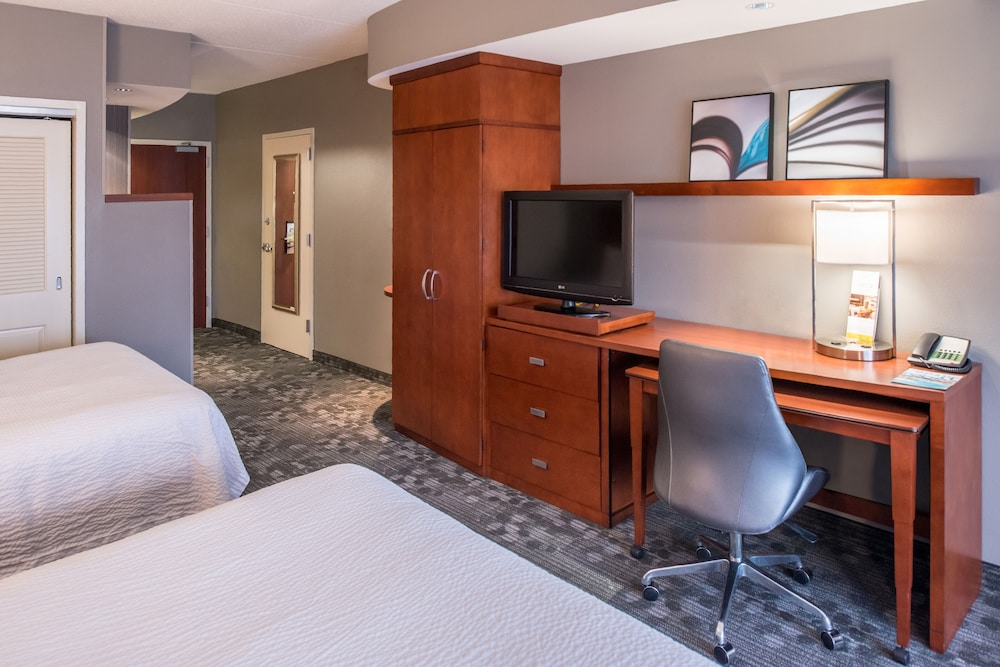 Room, Courtyard Marriott Clemson