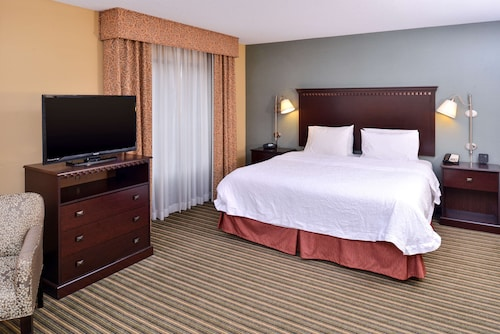 Hampton Inn & Suites Fort Belvoir Alexandria South
