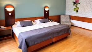 In-room safe, desk, laptop workspace, cribs/infant beds