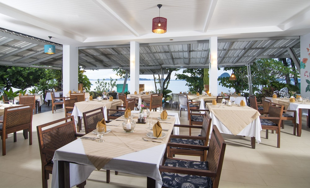 Restaurant, Anyavee Tubkaek Beach Resort