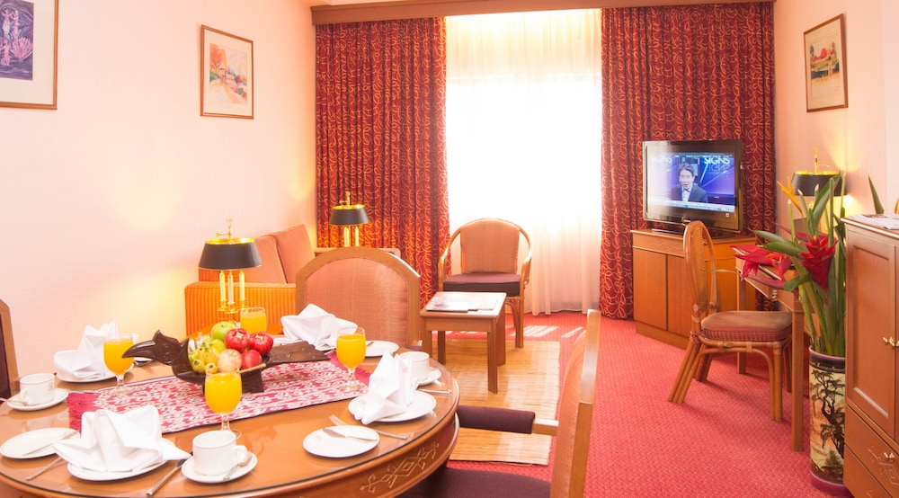 the living room kuching grand continental in kuching hotel rates amp reviews on orbitz 14693