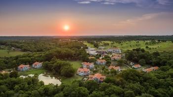 Av. das Cataratas, 6.845 Tamanduá Foz do Iguaçu, Paraná 85.853-000 Brazil.