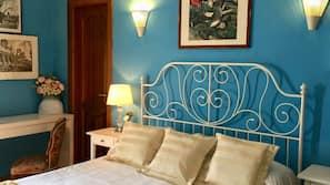 记忆海绵床垫、特色装修、特色家居、办公桌