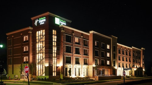 Holiday Inn Express & Suites Nashville - Franklin