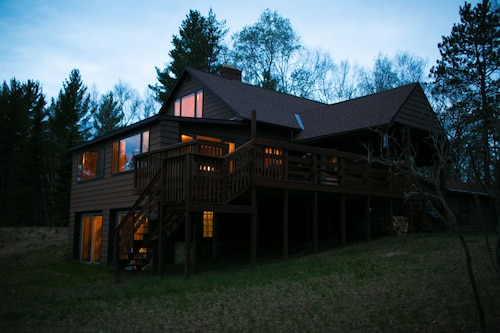 Check Expedia for Availability of Little Lake Cottage 4 Bedrooms 2 Bathrooms Cottage